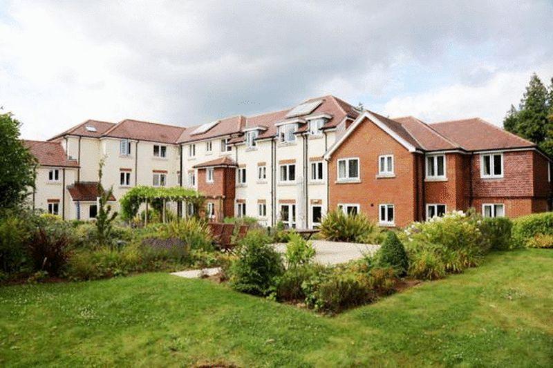 1 Bedroom Retirement Property for sale in Grayshott, Hindhead, Cornerway Lodge