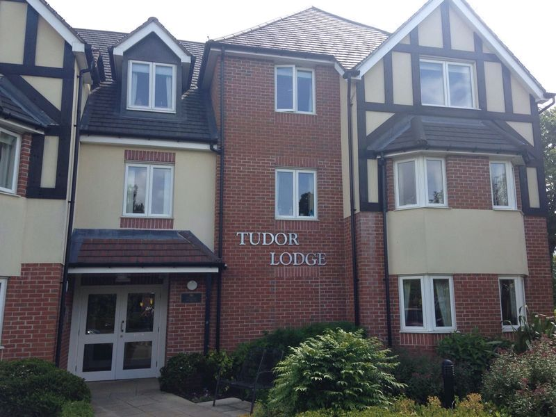 1 Bedroom Retirement Property for sale in Solihull, Tudor Lodge
