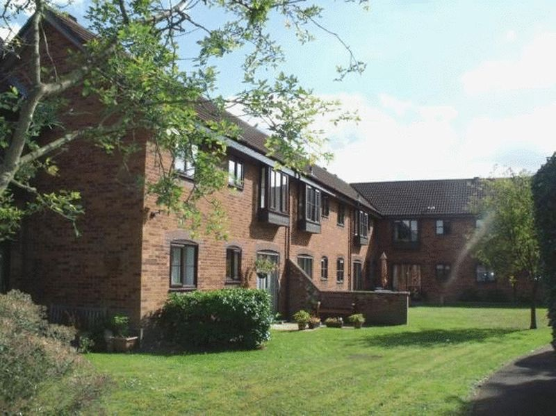 1 Bedroom Retirement Property for sale in Thorpe St Andrew, Norwich, Laurel Court