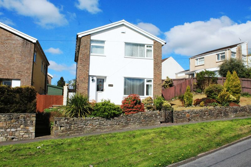3 Bedrooms Detached House for sale in Burgesse Crescent, Llantrisant CF72 8QB