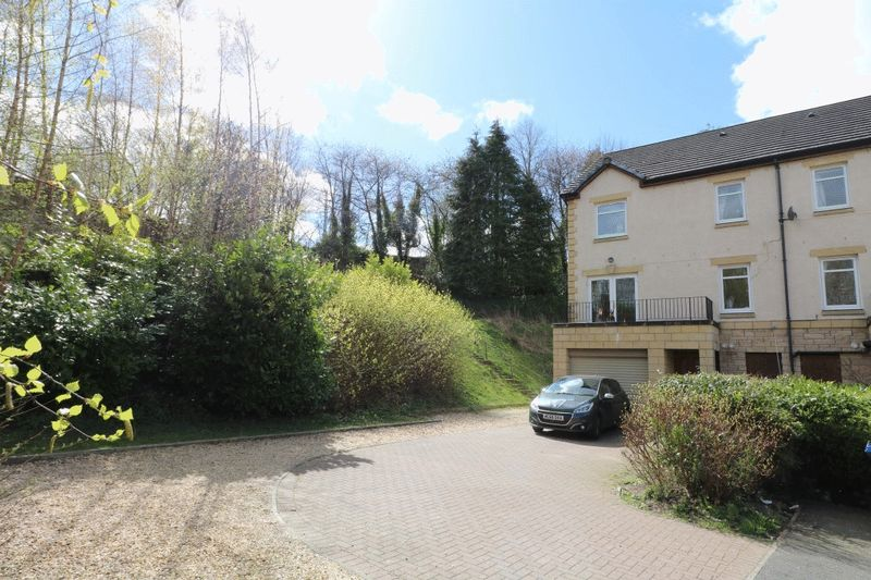 5 Bedrooms Detached House for sale in NEW - 16 William Law Gardens, Galashiels