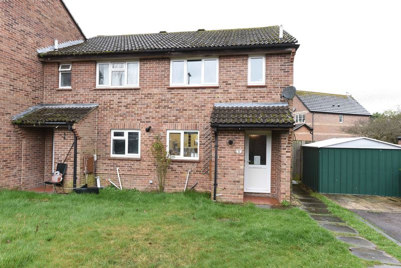 3 Bedrooms House for sale in Candover Close, Tadley