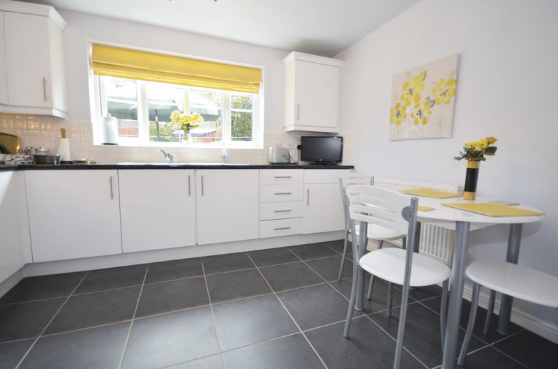 4 Bedrooms Detached House for sale in Shalefield Gardens, Atherton, Manchester, M46