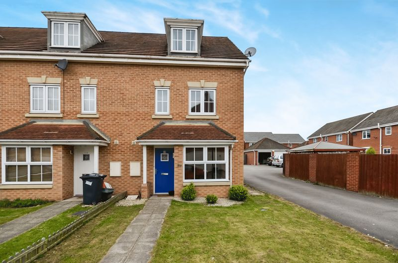 4 Bedrooms House for sale in 10 Jenkinson Grove, Armthorpe, Doncaster, DN3 2FJ