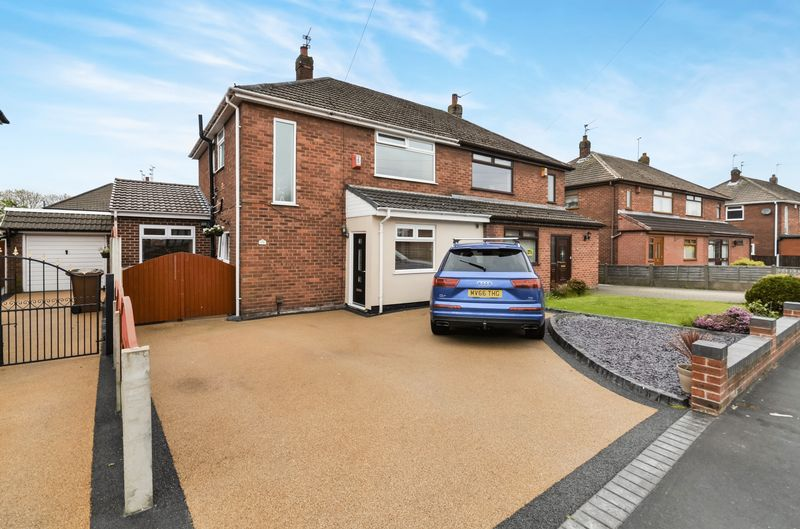3 Bedrooms Semi Detached House for sale in 29 Calderhurst Drive, St. Helens, WA10 6ED