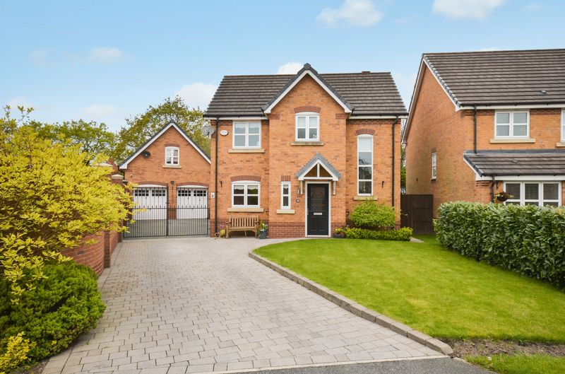 3 Bedrooms Detached House for sale in 18 Montgomery Close, Warrington, WA5 8DL