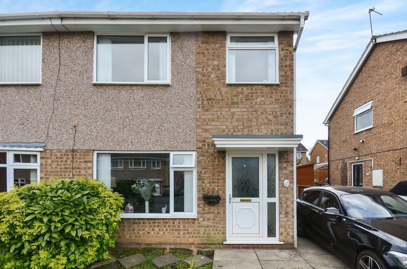 3 Bedrooms Semi Detached House for sale in 31 Elmete Avenue, Leeds, LS25 6EH