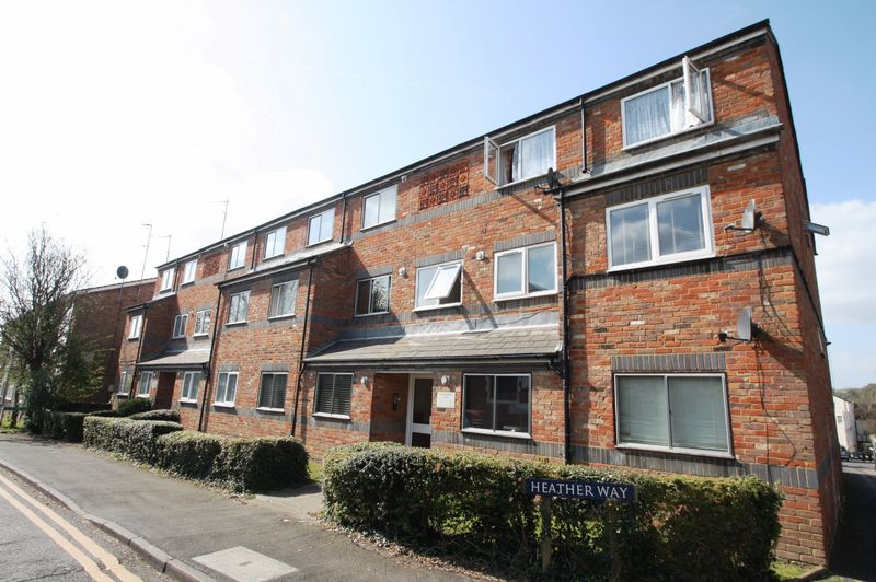 2 Bedrooms Flat for sale in St Marys Road, Hemel Hempstead
