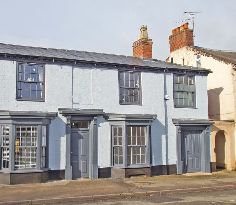 3 Bedrooms Terraced House for sale in Evesham Road, Astwood Bank. Redditch