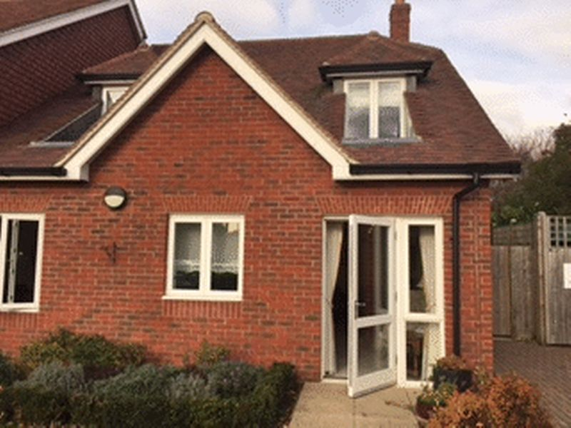 1 Bedroom Flat for sale in Morgan Court : ** GROUND FLOOR ** with OWN PATIO