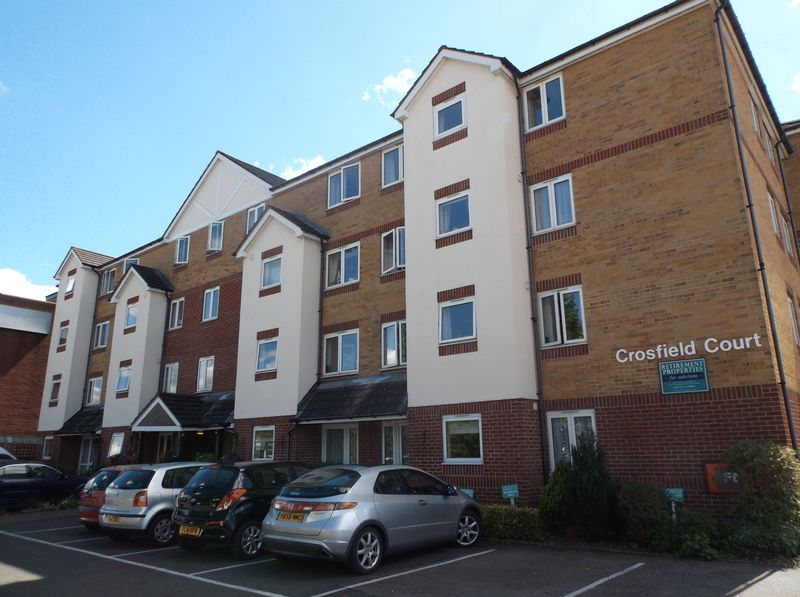 1 Bedroom Flat for sale in Crosfield Court: ** DIRECT ACCESS TO GARDENS- NO CHAIN **