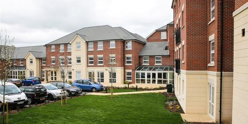 2 Bedrooms Flat for sale in Weighbridge Cour, Ongar : TWO BEDROOMS ~ EXCLUSIVELY FOR OVER 70's