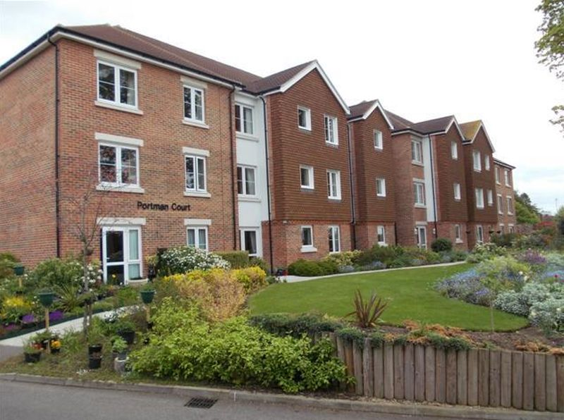 1 Bedroom Flat for sale in Portman Court: ** PRESENTED IN EXCELLENT CONDITION**