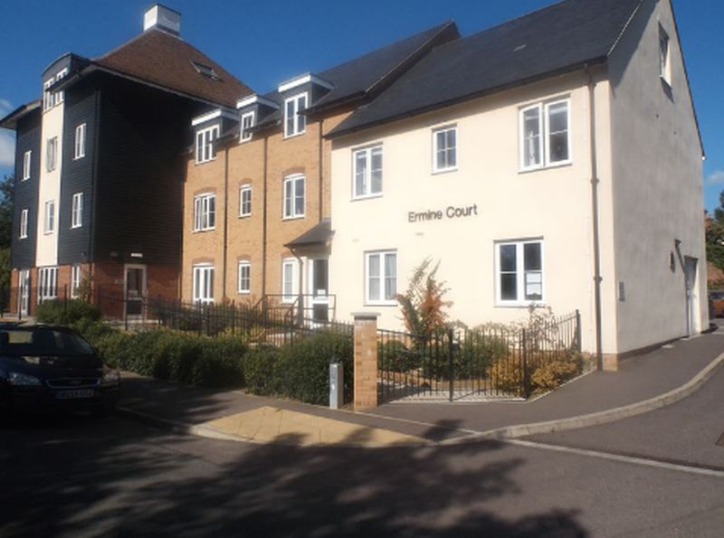 1 Bedroom Flat for sale in Ermine Court: ** MUST BE VIEWED- SPACIUOS RETIREMENT APARTMENT **