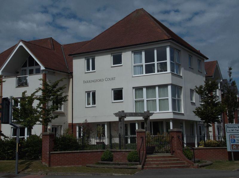 Farringford Court, Avenue Road, Lymingto...