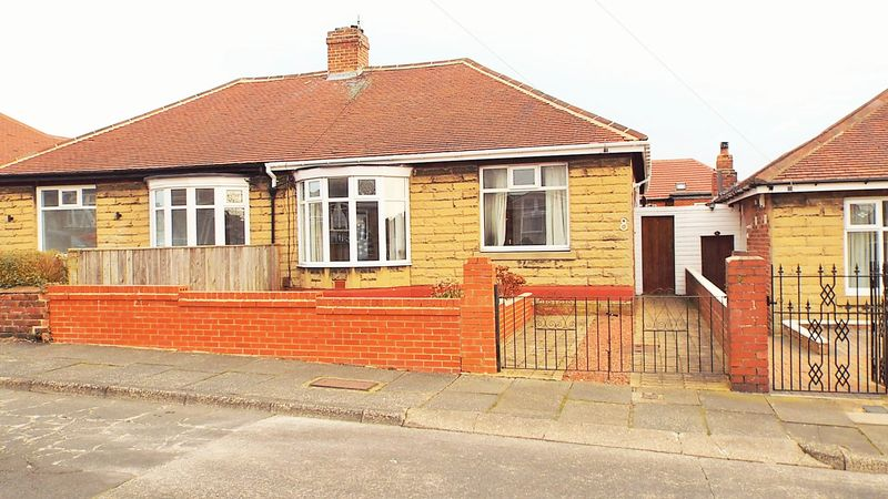 3 Bedrooms Bungalow for sale in Tudor Avenue, North Shields