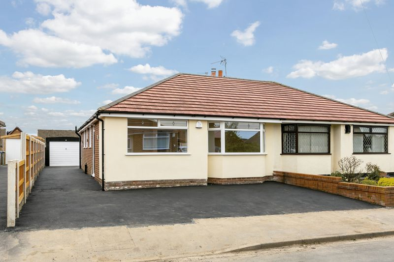 3 Bedrooms Semi Detached Bungalow for sale in Coach House Drive, Shevington, WN6 8AU