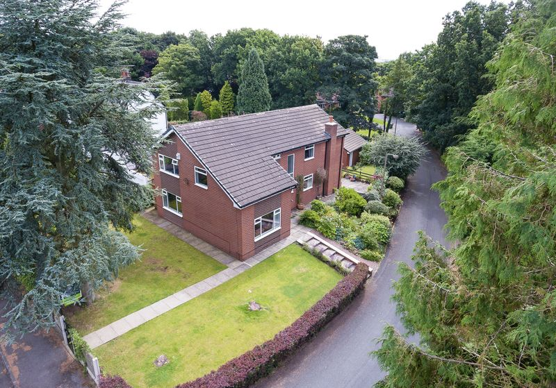4 Bedrooms Detached House for sale in Greenvale, Shevington, WN6 8JE