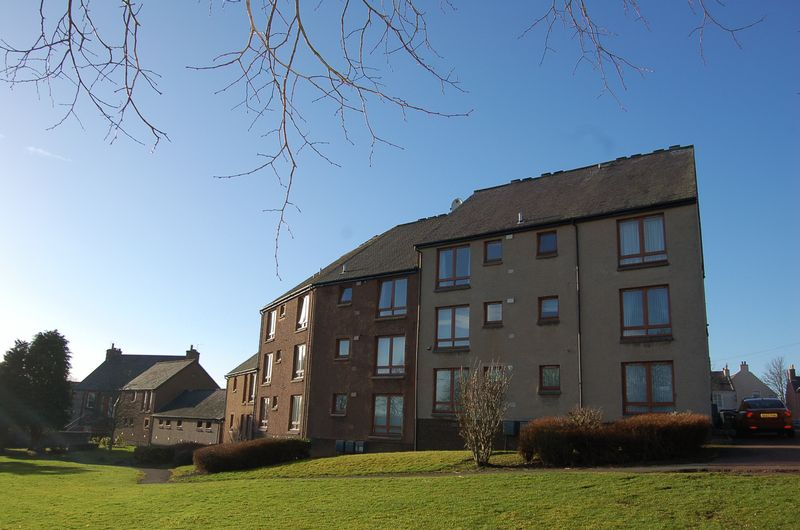 Delves Court, Lanark, ML11