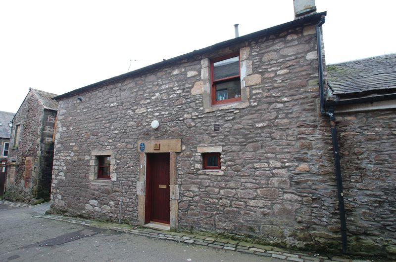 Wide Close, Lanark, ML11