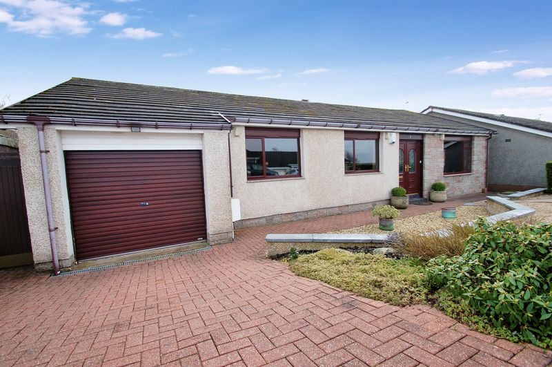 4 Bedrooms Detached Bungalow for sale in Cartland View, Lanark