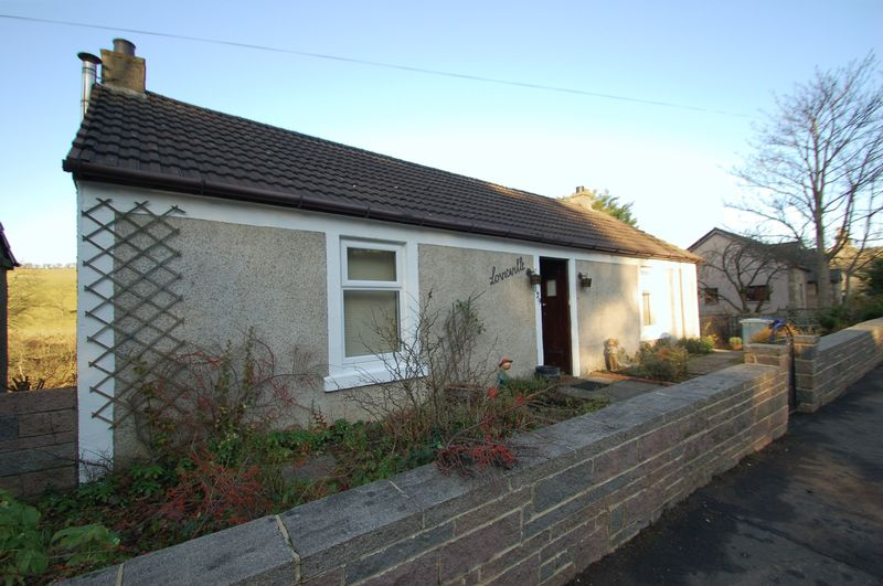 3 Bedrooms Detached House for sale in Riverside Road, Kirkfieldbank