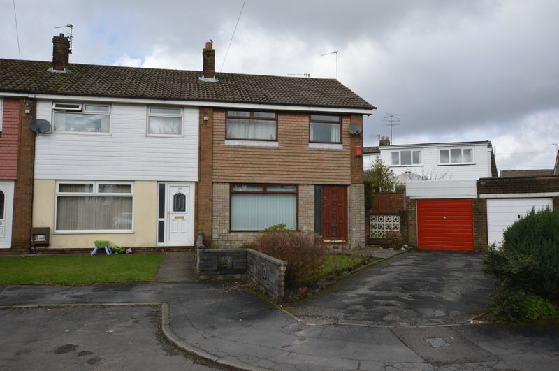 3 Bedrooms Terraced House for sale in Cheviot Close, Milnrow