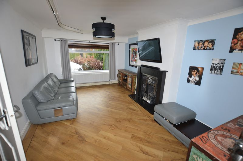 4 Bedrooms Semi Detached House for sale in Egremont Road, Rochdale