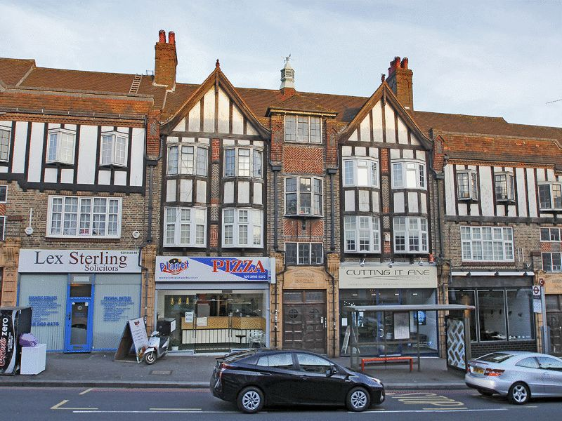 2 Bedrooms Flat for sale in Russell Hill Road, Purley, Surrey