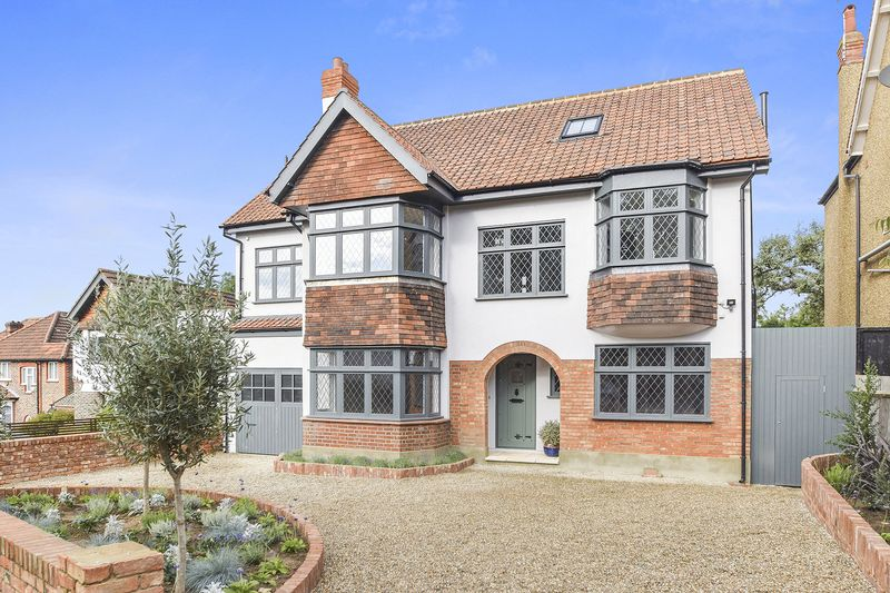5 Bedrooms Detached House for sale in Ryecroft Road, London SW16