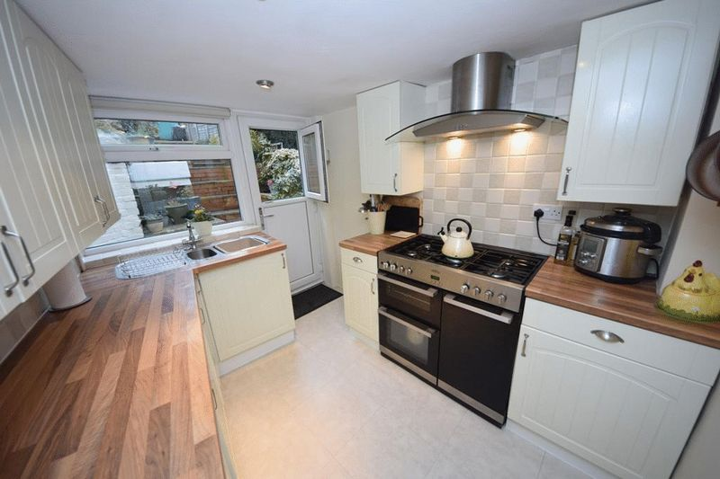 3 Bedrooms Terraced House for sale in Bearsted, MAIDSTONE, ME14 4PG