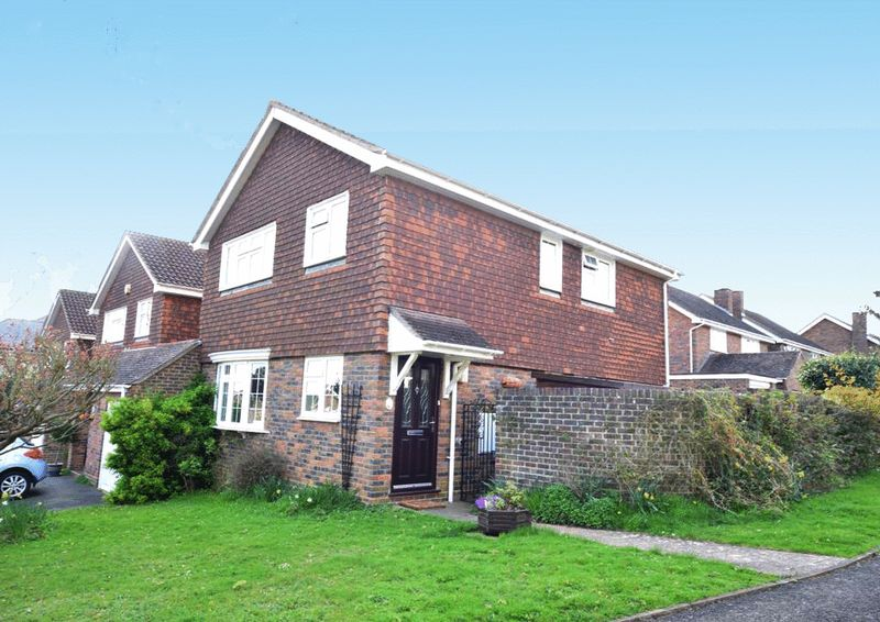 4 Bedrooms Detached House for sale in Chattenden Court, Maidstone