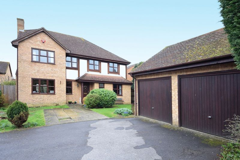 5 Bedrooms Detached House for sale in Weavering, Maidstone