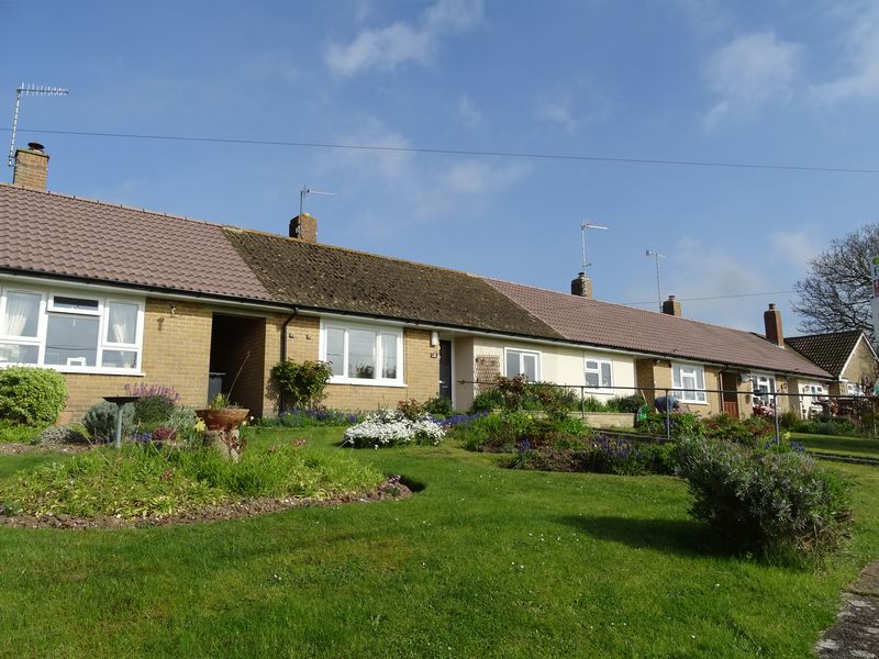 2 Bedrooms Semi Detached Bungalow for sale in Whitlock Rise, Bishopstone