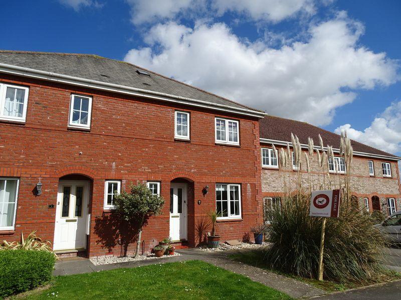 3 Bedrooms Semi Detached House for sale in Kimpton Avenue, Bishopdown Farm