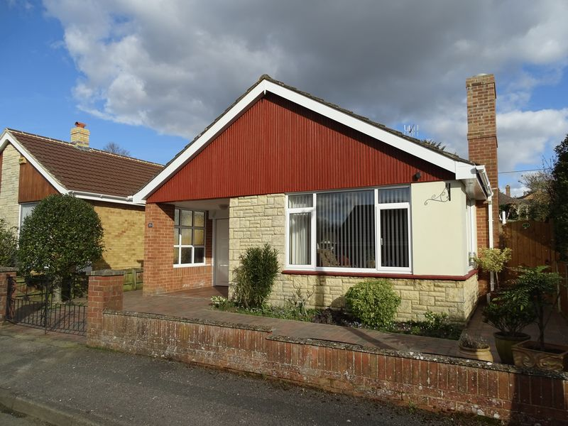 3 Bedrooms Detached Bungalow for sale in Glendale Crescent, Laverstock