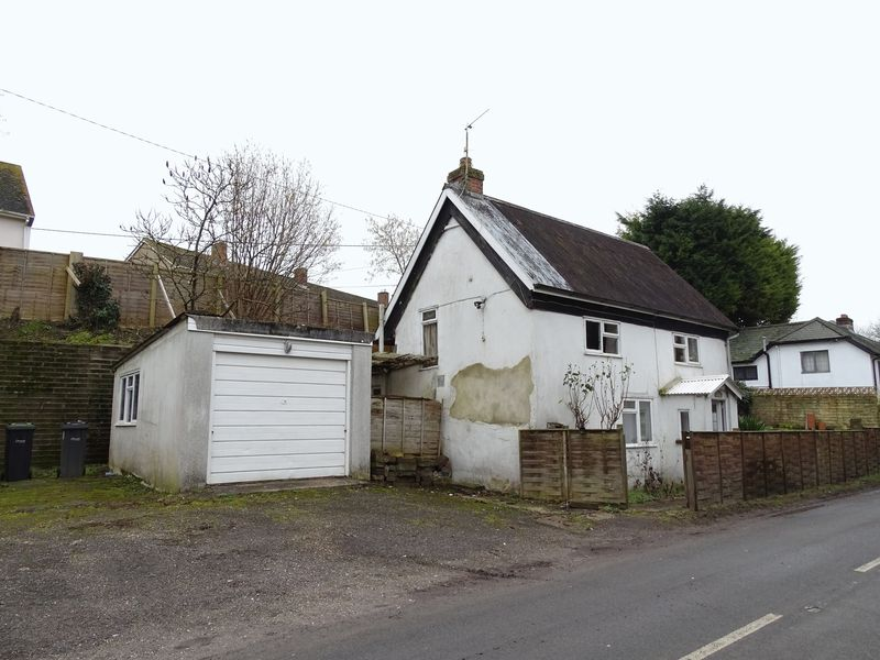 2 Bedrooms Detached House for sale in Stapleford