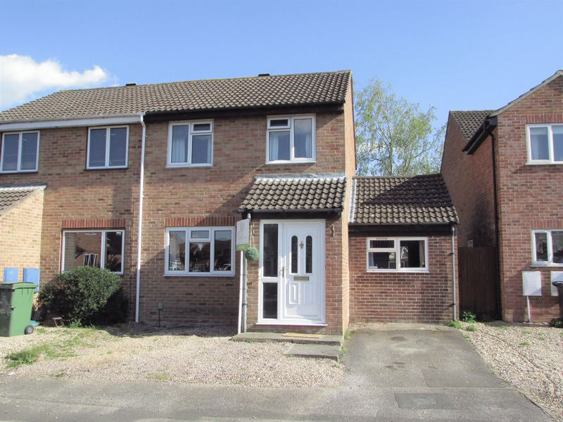 2 Bedrooms Semi Detached House for sale in Keighley Close, Thatcham