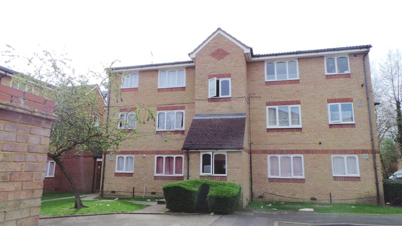 Flat for sale in Barbot Close, Edmonton, N9