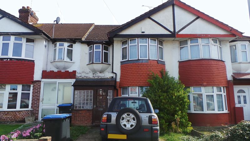 3 Bedrooms Terraced House for sale in Beckenham Gardens, Edmonton, N9