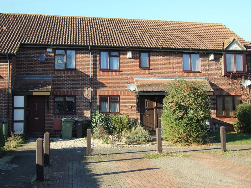 3 Bedrooms Terraced House for sale in Pebble Drive, Didcot