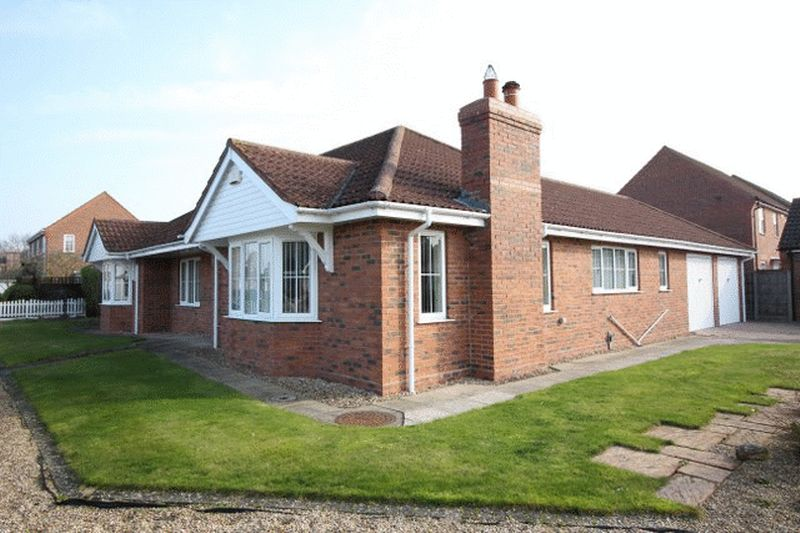 3 Bedrooms Detached Bungalow for sale in Muirfield Way, Woodhall Spa