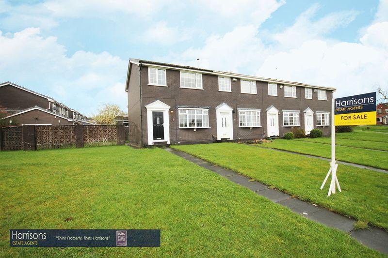 3 Bedrooms House for sale in Crosshill Walk, Ladybridge, Bolton, Lancashire.