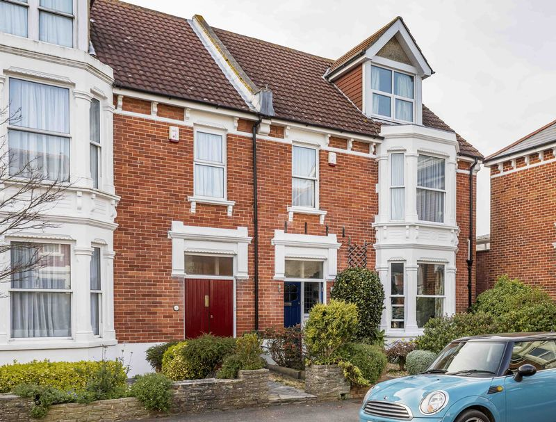 4 Bedrooms Terraced House for sale in Culver Road, Southsea