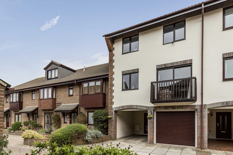 4 Bedrooms Terraced House for sale in Wyndham Mews, Old Portsmouth