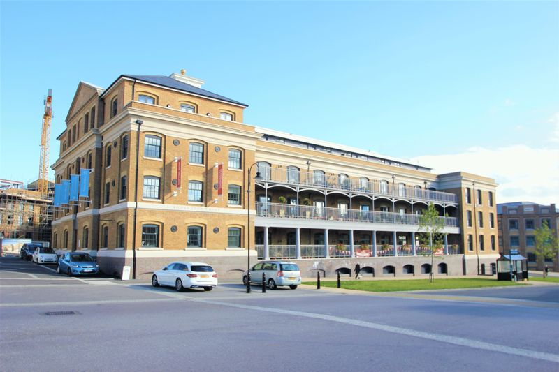 Bowes Lyon Court