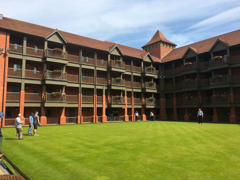 Bowling Green Court