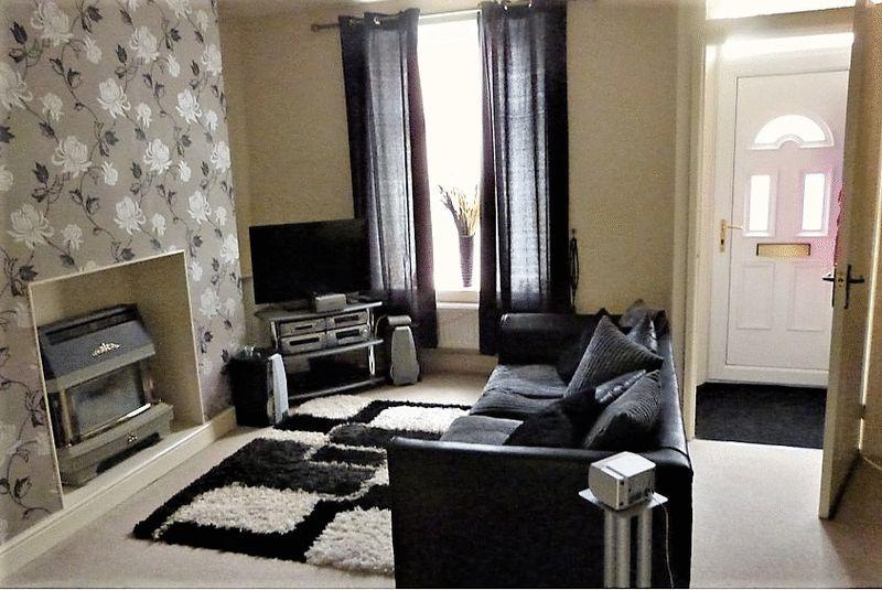 2 Bedrooms Terraced House for sale in Edward Street, Bacup, Rossendale, OL13 9EW