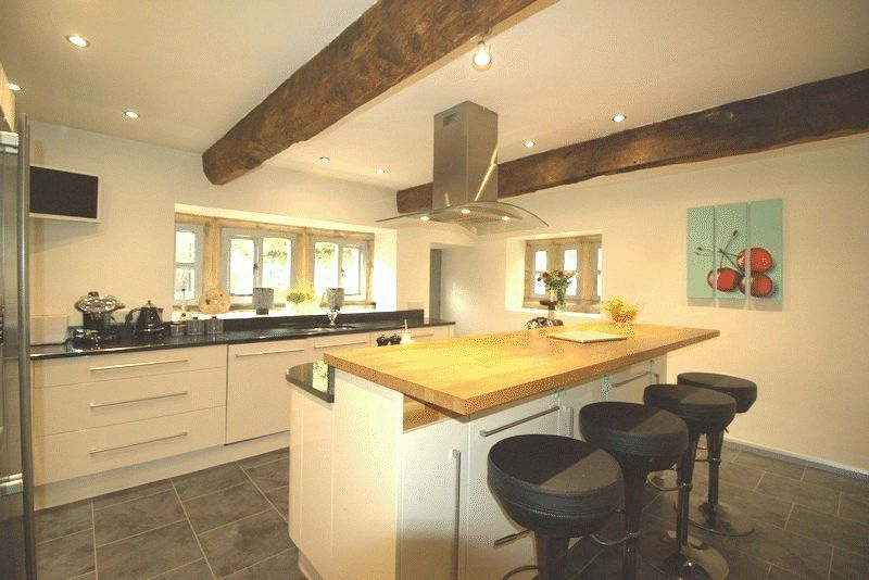 3 Bedrooms Semi Detached House for sale in Lench Fold Clough, Rossendale, BB4 7AF