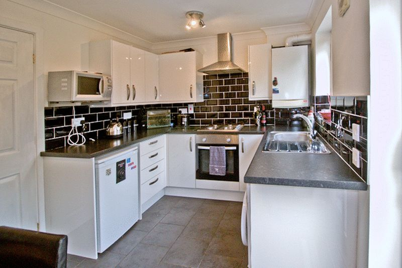 2 Bedrooms Semi Detached House for sale in Chepstow Gardens, Garstang, Preston, PR3 1TJ